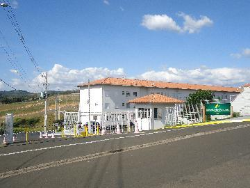 Alugar Apartamentos / Padrão em São José do Rio Pardo. apenas R$ 750,00