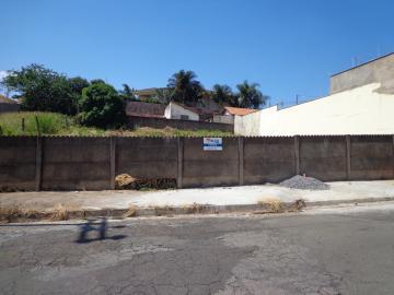 Terrenos / Padrão em São José do Rio Pardo , Comprar por R$106.000,00