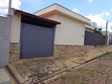 Alugar Casas / Padrão em São José do Rio Pardo R$ 2.200,00 - Foto 3