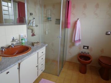 Alugar Casas / Padrão em São José do Rio Pardo R$ 2.200,00 - Foto 32
