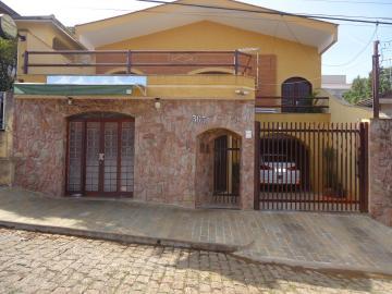 Alugar Casas / Padrão em São José do Rio Pardo. apenas R$ 620,00