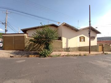 Alugar Casas / Padrão em São José do Rio Pardo. apenas R$ 2.000,00