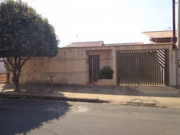 Alugar Casas / Padrão em São José do Rio Pardo. apenas R$ 360.000,00