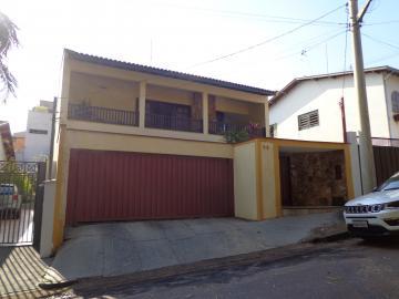 Alugar Casas / Padrão em São José do Rio Pardo. apenas R$ 850.000,00