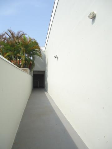 Alugar Apartamentos / Padrão em São José do Rio Pardo R$ 850,00 - Foto 5