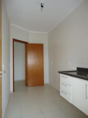 Alugar Apartamentos / Padrão em São José do Rio Pardo R$ 850,00 - Foto 14