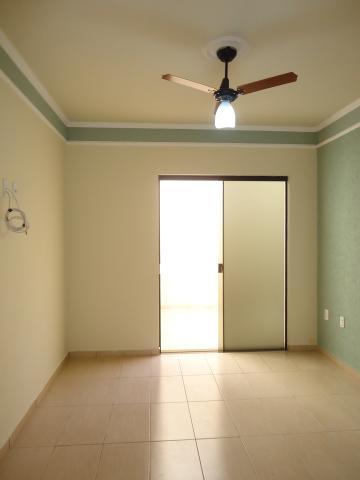 Alugar Casas / Padrão em São José do Rio Pardo R$ 1.500,00 - Foto 16